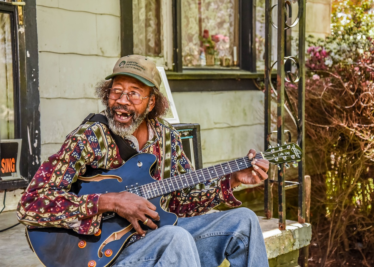 "RL on his front porch in Como, Mississippi – where much of the album ""Roll and Tumble"" was recorded."