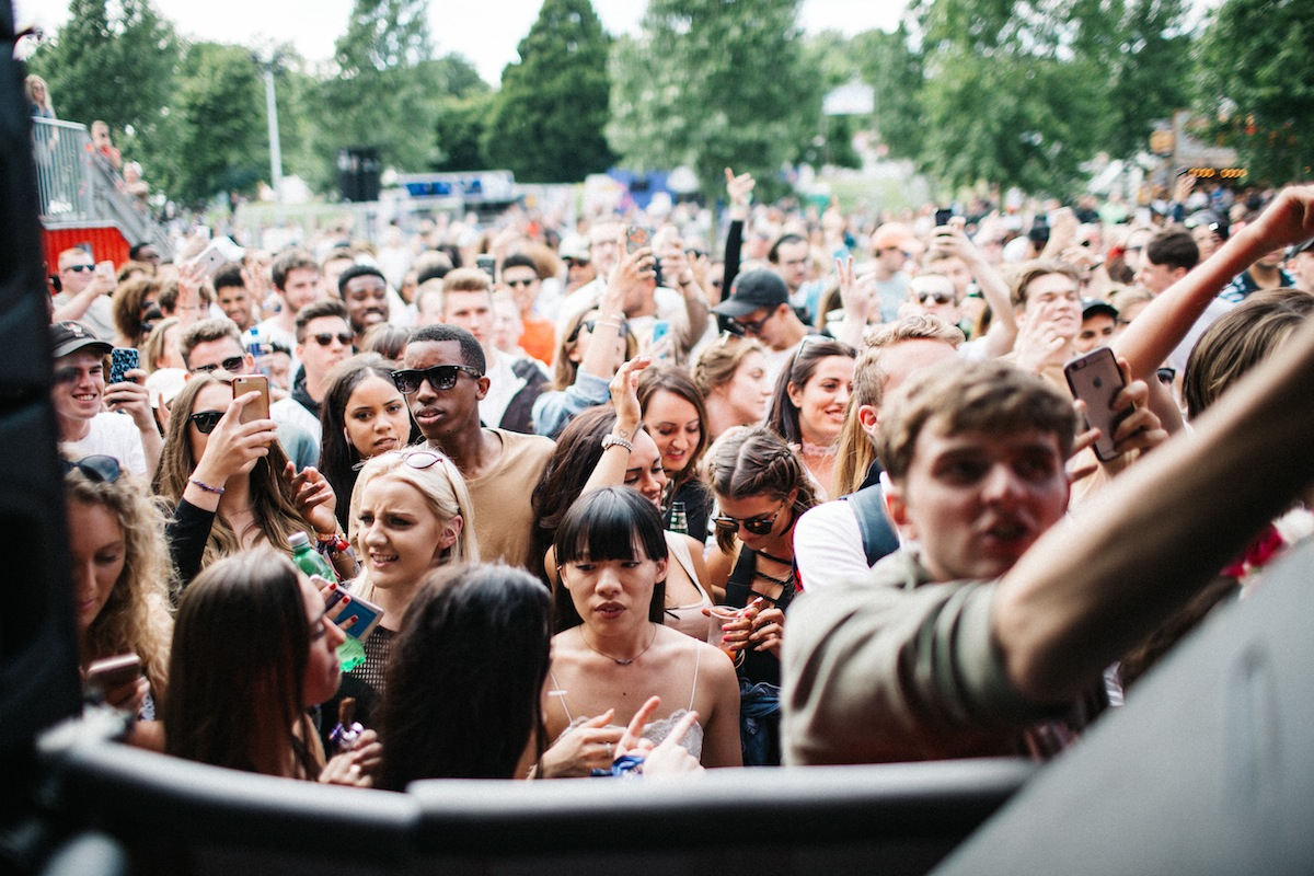 Crowd - Wireless (Credit: Vicky Grout)