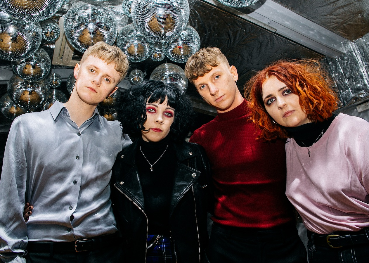 Pale Waves (Credit: Zac Mahrouche)