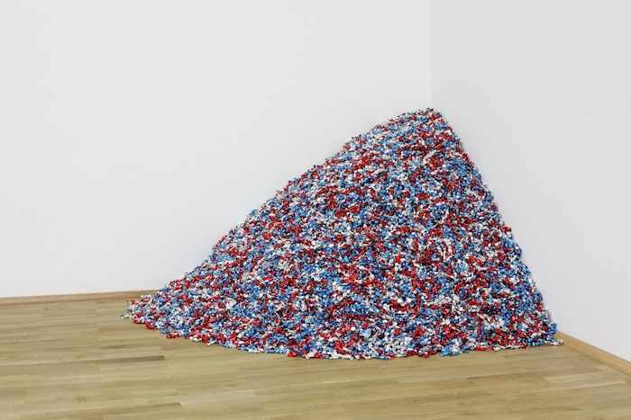 Untitled (USA Today), Felix Gonzalez-Torres, 1990